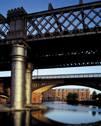 Gm0012610mb_castlefield_canals_2